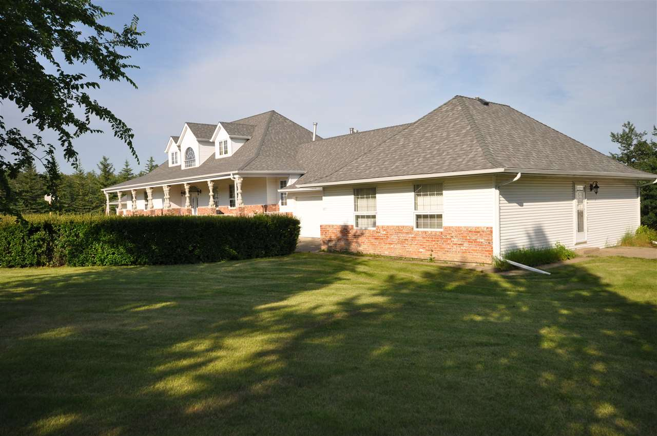 Photo 3: 41 Marshall Place: Rural Sturgeon County House for sale : MLS® # E4063055