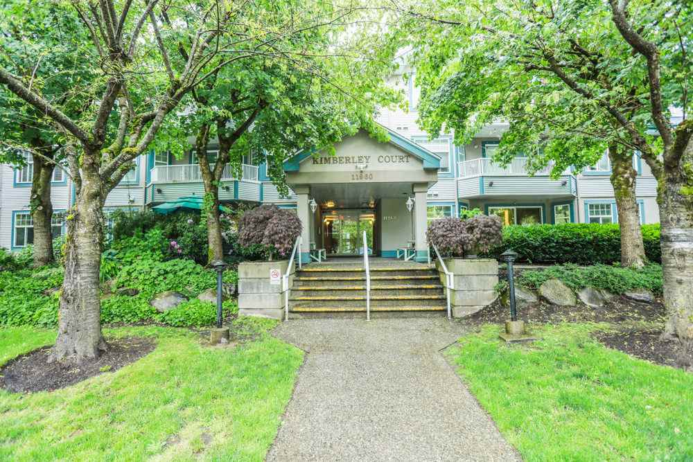 "Main Photo: 102 11960 HARRIS Road in Pitt Meadows: Central Meadows Condo for sale in ""KIMBERLY COURT"" : MLS(r) # R2170246"