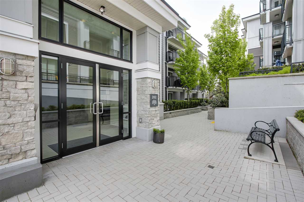 "Photo 2: 203 202 LEBLEU Street in Coquitlam: Maillardville Condo for sale in ""MACKIN PARK"" : MLS(r) # R2174150"