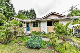 Main Photo: 15527 17A Avenue in Surrey: King George Corridor House for sale (South Surrey White Rock)  : MLS(r) # R2174173