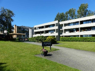"Main Photo: 214 15272 19 Avenue in Surrey: King George Corridor Condo for sale in ""Parkview Place"" (South Surrey White Rock)  : MLS(r) # R2179846"