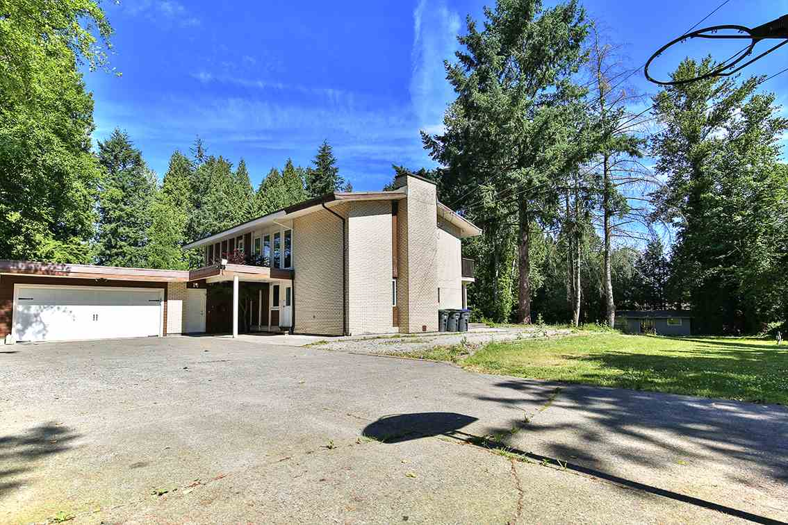 Main Photo: 17781 E BARNSTON Drive in Surrey: Fraser Heights House for sale (North Surrey)  : MLS® # R2190763