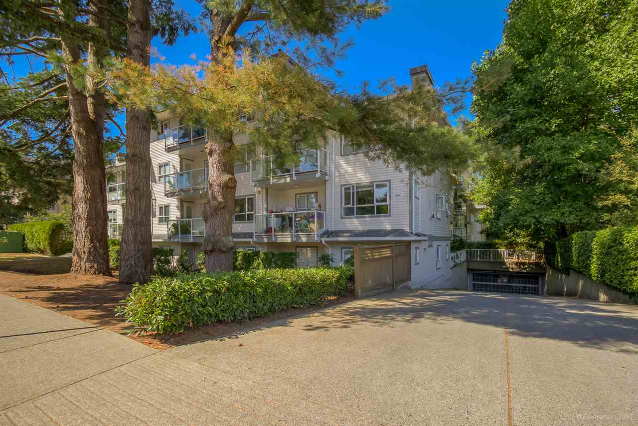 "Main Photo: 103 5577 SMITH Avenue in Burnaby: Central Park BS Condo for sale in ""COTTON WOOD GROVE"" (Burnaby South)  : MLS®# R2193506"