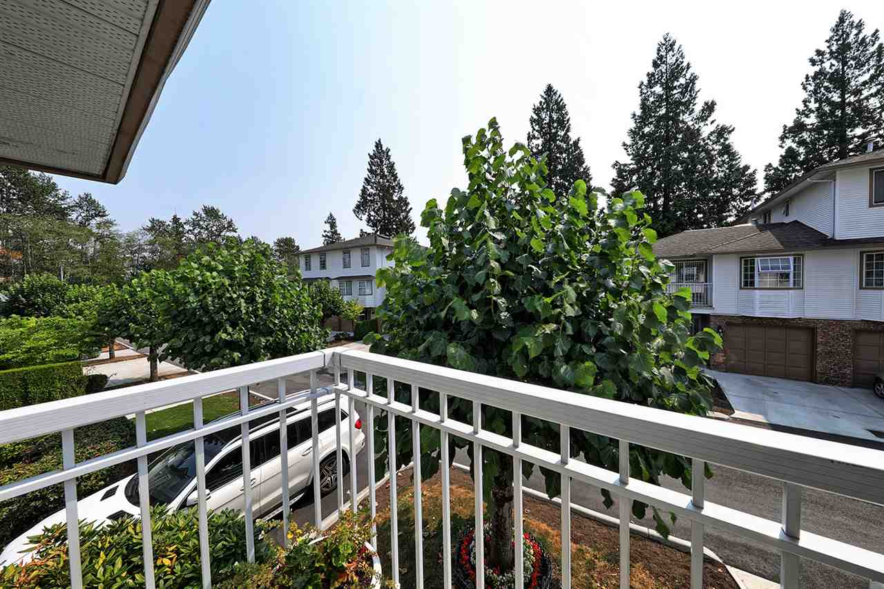"Photo 12: Photos: 9 10045 154 Street in Surrey: Guildford Townhouse for sale in ""Heatherton"" (North Surrey)  : MLS® # R2196941"