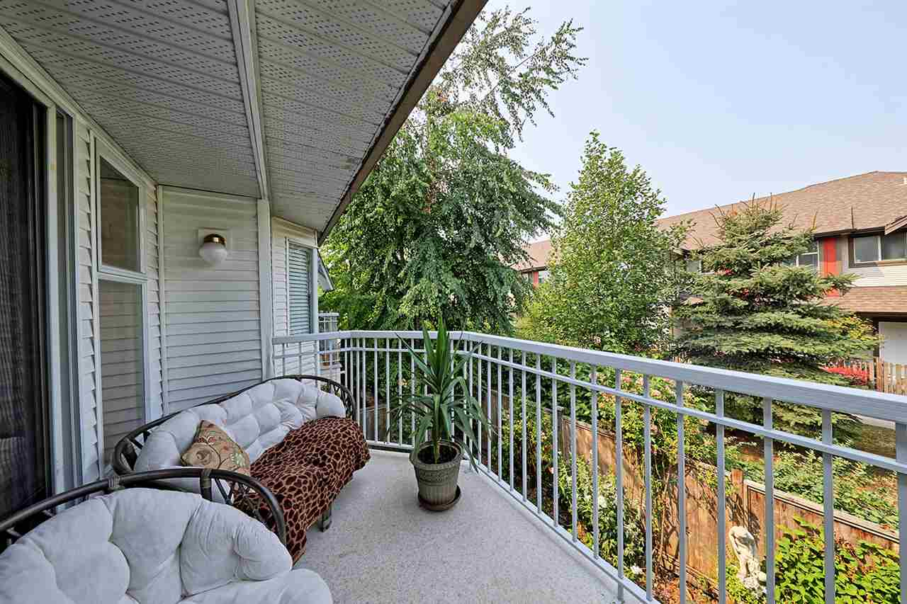 "Photo 17: Photos: 9 10045 154 Street in Surrey: Guildford Townhouse for sale in ""Heatherton"" (North Surrey)  : MLS® # R2196941"