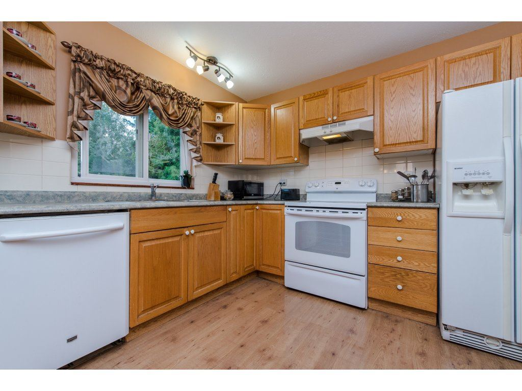 Photo 10: 35345 SELKIRK Avenue in Abbotsford: Abbotsford East House for sale : MLS® # R2199924