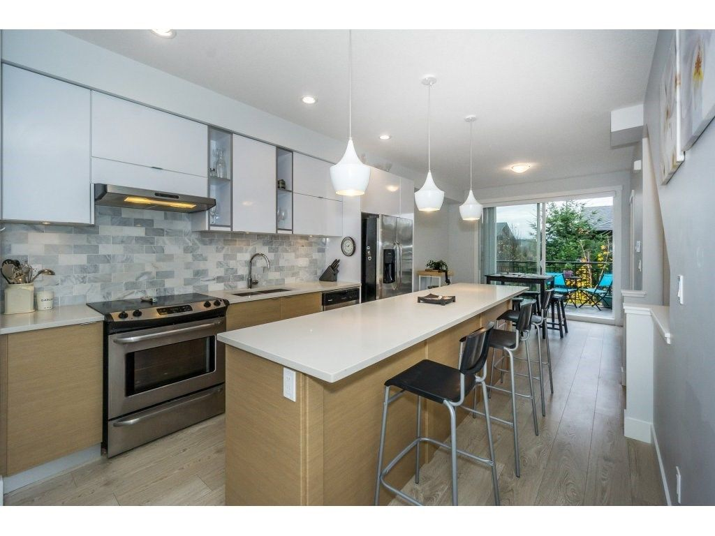 "Photo 7: Photos: 43 14433 60 Avenue in Surrey: Sullivan Station Townhouse for sale in ""BRIXTON"" : MLS® # R2221357"