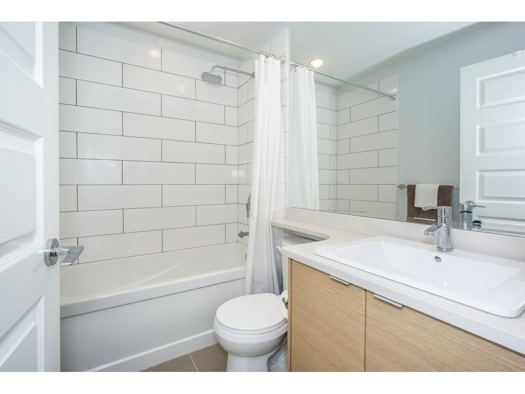 "Photo 12: Photos: 43 14433 60 Avenue in Surrey: Sullivan Station Townhouse for sale in ""BRIXTON"" : MLS® # R2221357"