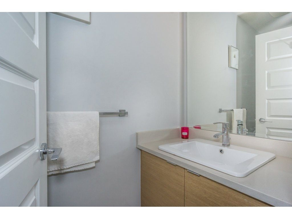 "Photo 10: Photos: 43 14433 60 Avenue in Surrey: Sullivan Station Townhouse for sale in ""BRIXTON"" : MLS® # R2221357"
