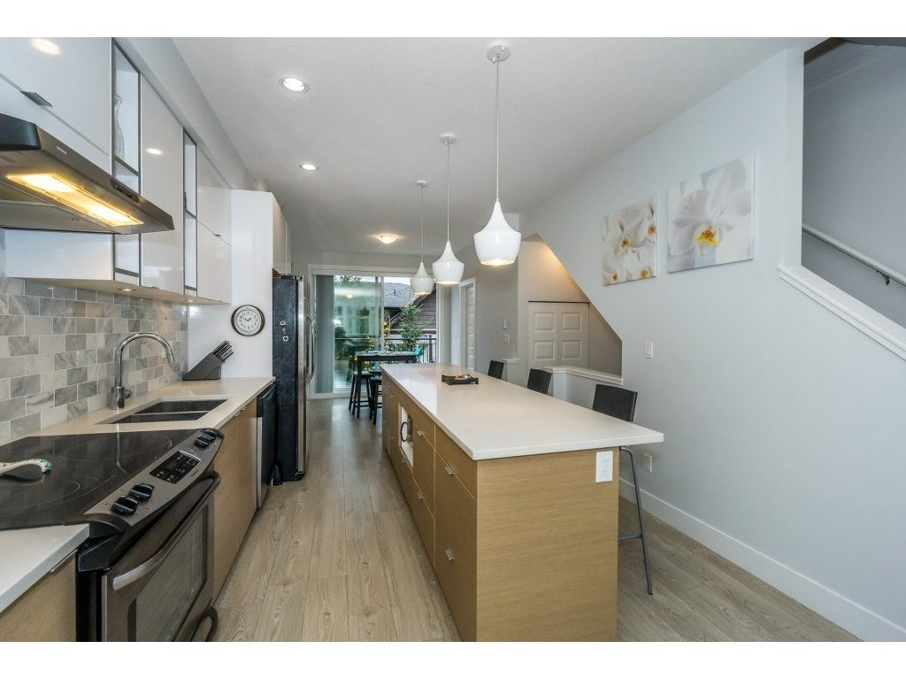 "Photo 6: Photos: 43 14433 60 Avenue in Surrey: Sullivan Station Townhouse for sale in ""BRIXTON"" : MLS® # R2221357"