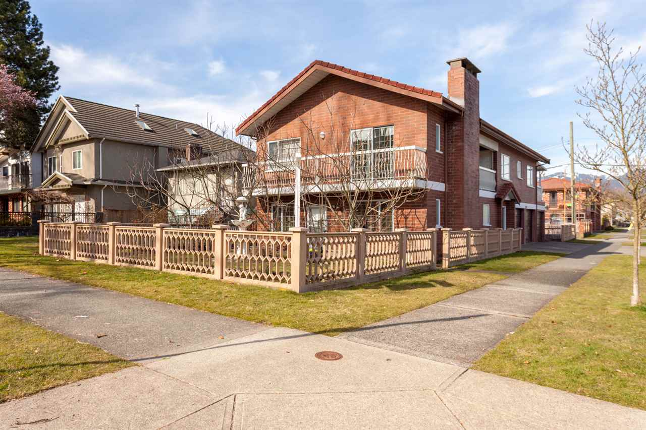 Main Photo: 1285 GARDEN Drive in Vancouver: Grandview VE House for sale (Vancouver East)  : MLS® # R2246753