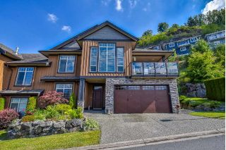 "Main Photo: 12 43540 ALAMEDA Drive in Chilliwack: Chilliwack Mountain Townhouse for sale in ""RETRIEVER RIDGE"" : MLS®# R2281602"