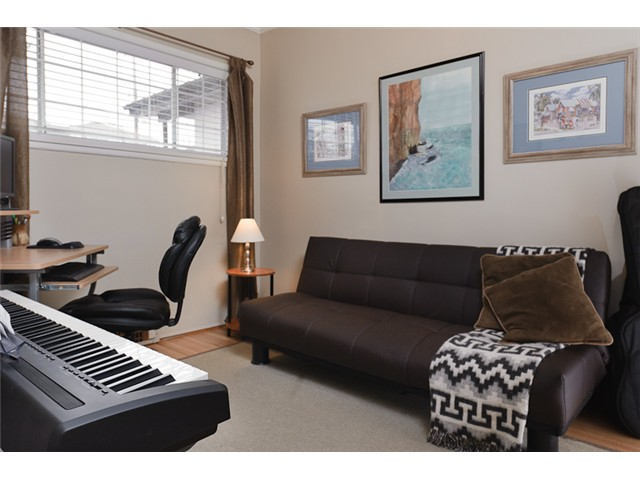 Photo 7: 4738 BEATRICE Street in Vancouver: Victoria VE House for sale (Vancouver East)  : MLS® # V872550