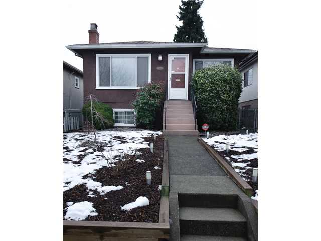 Main Photo: 4738 BEATRICE Street in Vancouver: Victoria VE House for sale (Vancouver East)  : MLS® # V872550