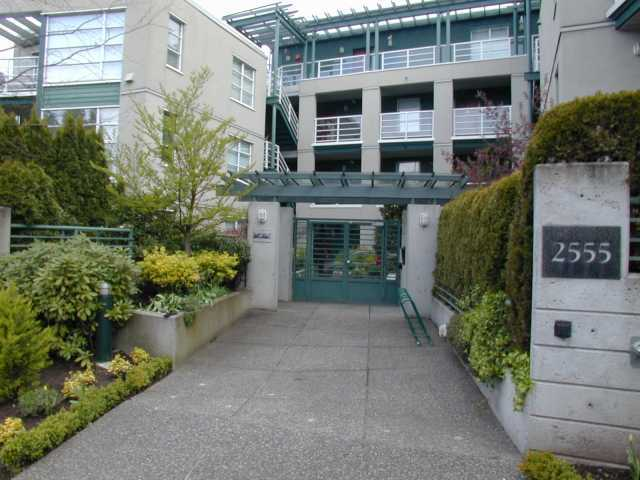 "Main Photo: 406 2555 W 4TH Avenue in Vancouver: Kitsilano Condo for sale in ""SEAGATE"" (Vancouver West)  : MLS® # V874628"