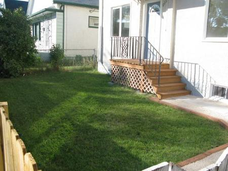 Photo 2: Photos: 629 Alfred Avenue in Winnipeg: Residential for sale (North End)  : MLS®# 1118240