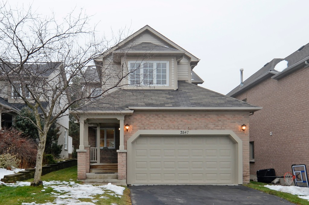 Main Photo: 2847 Castlebridge Drive in Mississauga: Central Erin Mills House (2-Storey) for sale : MLS(r) # W3082151