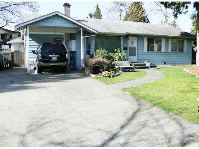 "Main Photo: 7147 LEVY Place in Surrey: West Newton House for sale in ""WEST NEWTON"" : MLS(r) # F1428994"