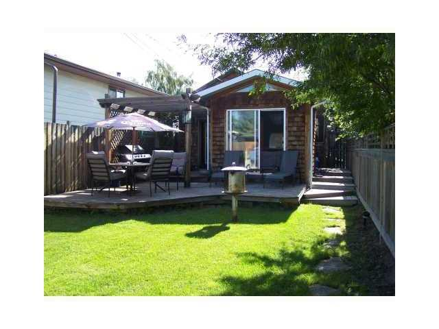 Photo 2: 2833 29 Street SW in Calgary: Killarney_Glengarry House for sale : MLS® # C3656073