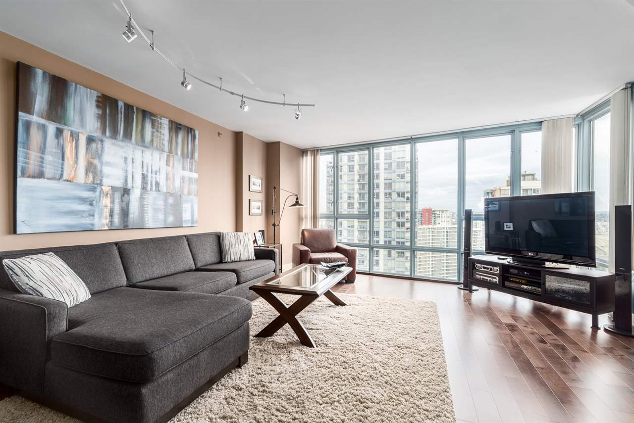 "Main Photo: 2502 930 CAMBIE Street in Vancouver: Yaletown Condo for sale in ""LANDMARK II"" (Vancouver West)  : MLS® # R2042608"