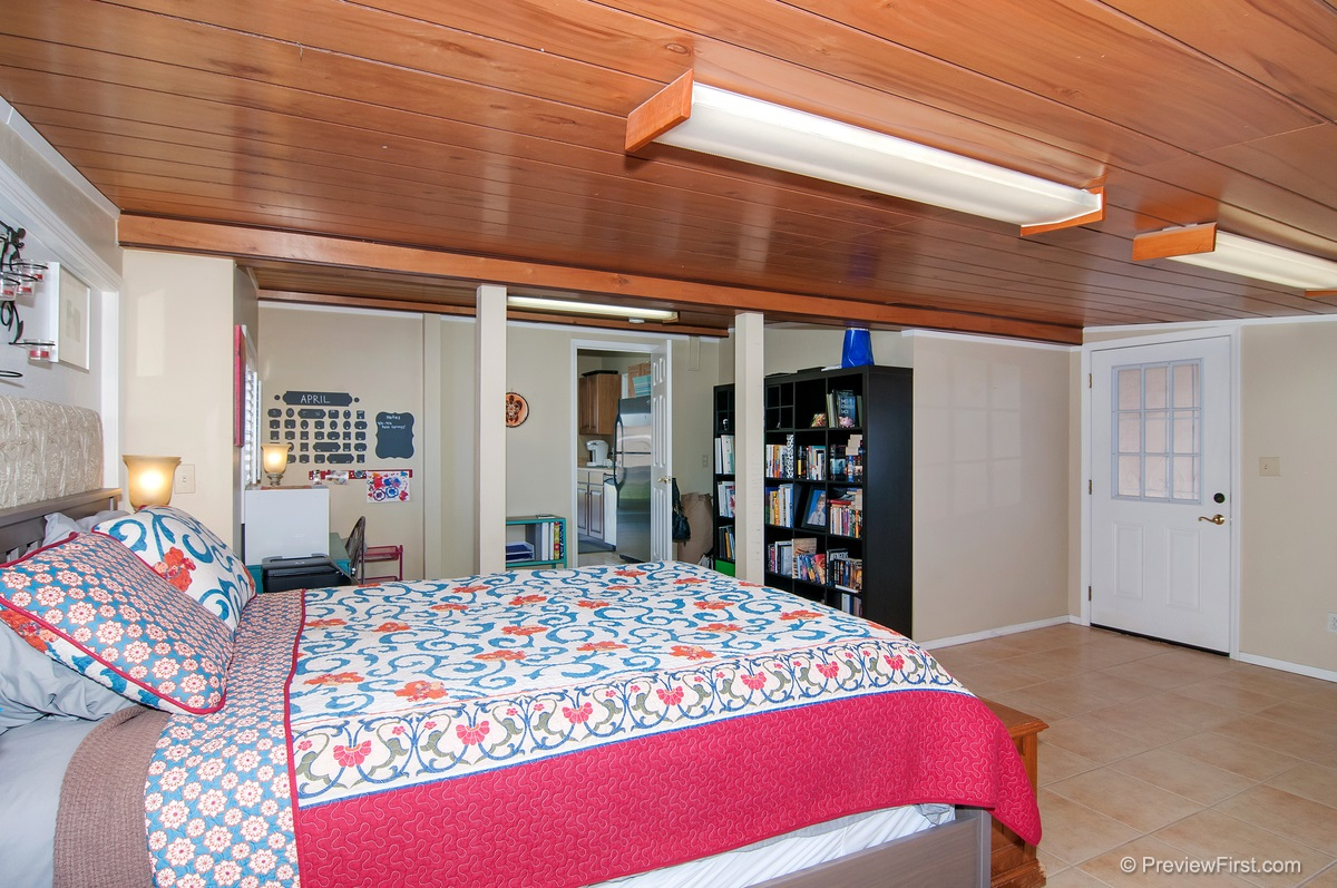 Photo 13: IMPERIAL BEACH House for sale : 4 bedrooms : 852 HICKORY COURT