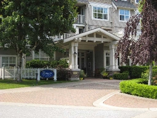 "Main Photo: 209 960 LYNN VALLEY Road in North Vancouver: Lynn Valley Condo for sale in ""Balmoral House"" : MLS(r) # R2074423"