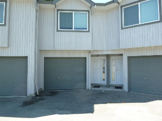 Main Photo: 38 5761 WHARF Road in Sechelt: Sechelt District Townhouse for sale (Sunshine Coast)  : MLS®# R2095971
