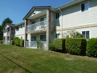 "Main Photo: 3 32821 6TH Avenue in Mission: Mission BC Townhouse for sale in ""MAPLE MANOR"" : MLS®# R2098093"
