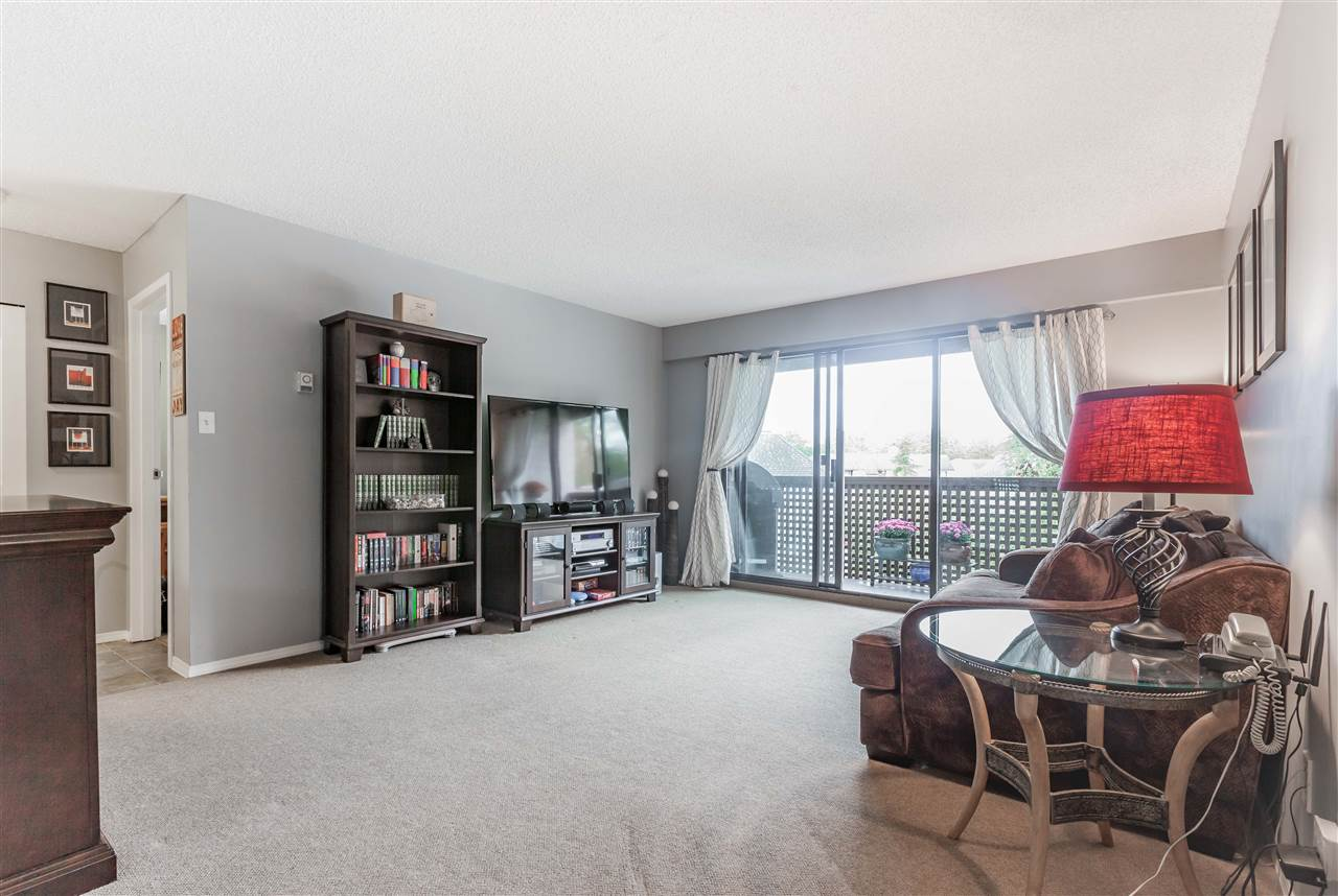 "Photo 13: 411 385 GINGER Drive in New Westminster: Fraserview NW Condo for sale in ""FRASER MEWS"" : MLS® # R2111013"