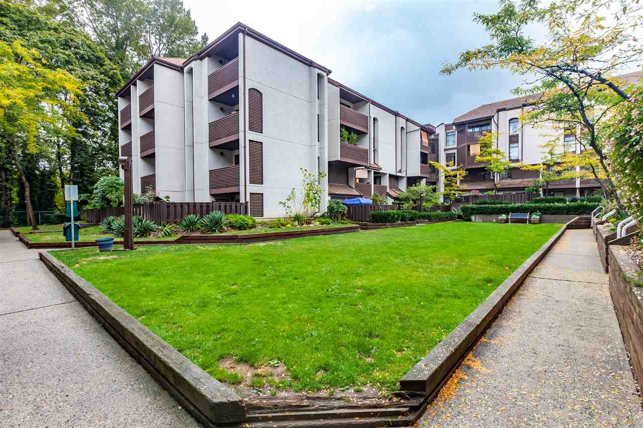 "Photo 19: 411 385 GINGER Drive in New Westminster: Fraserview NW Condo for sale in ""FRASER MEWS"" : MLS(r) # R2111013"