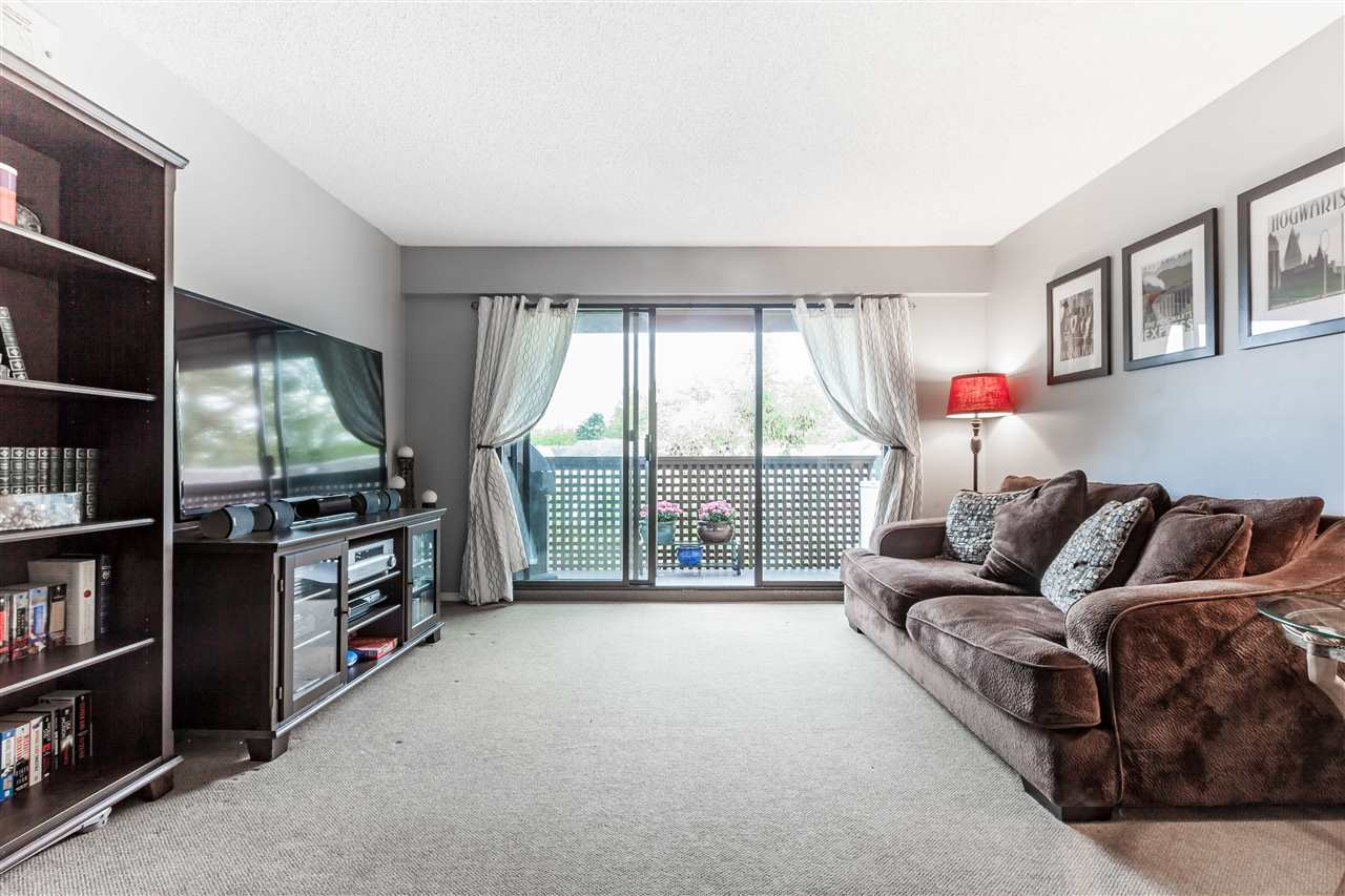 "Photo 14: 411 385 GINGER Drive in New Westminster: Fraserview NW Condo for sale in ""FRASER MEWS"" : MLS® # R2111013"