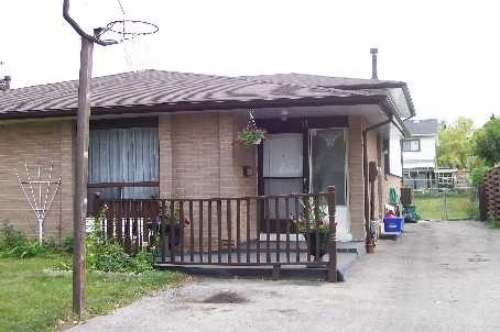 Main Photo: 11 Tindale Road in Brampton: Madoc House (Bungalow) for lease : MLS(r) # W3667363