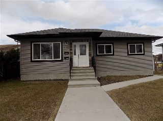Main Photo: 16502 106 Avenue in Edmonton: Zone 21 House for sale : MLS(r) # E4060244