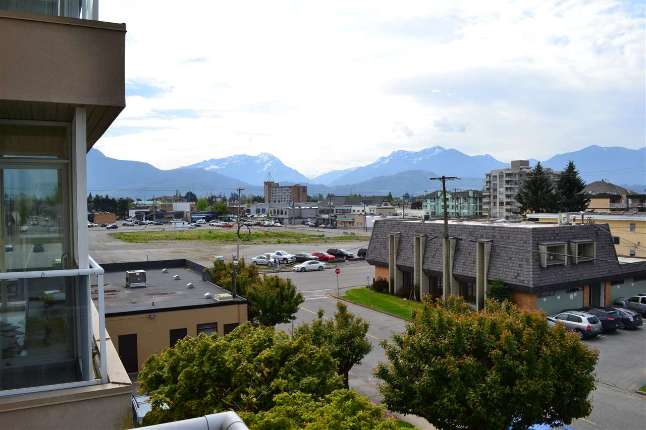 "Photo 13: 303 45745 PRINCESS Avenue in Chilliwack: Chilliwack W Young-Well Condo for sale in ""Princess Towers"" : MLS® # R2163712"