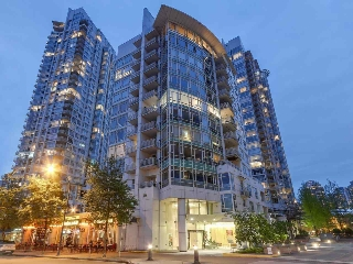 "Main Photo: 801 1111 MARINASIDE Crescent in Vancouver: Yaletown Condo for sale in ""Aquarius Villas"" (Vancouver West)  : MLS(r) # R2167319"