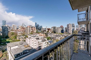 "Main Photo: 1204 1146 HARWOOD Street in Vancouver: West End VW Condo for sale in ""THE LAMPLIGHTER"" (Vancouver West)  : MLS® # R2185943"
