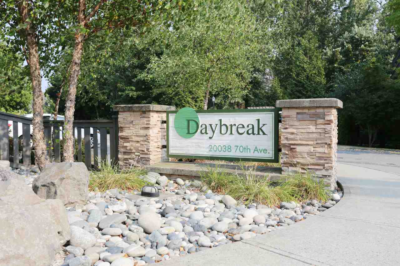 "Main Photo: 56 20038 70 Avenue in Langley: Willoughby Heights Townhouse for sale in ""DAYBREAK"" : MLS® # R2195440"