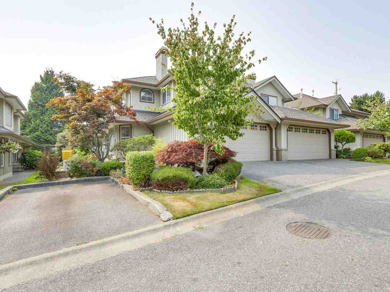 Main Photo: 69 15860 82 Avenue in Surrey: Fleetwood Tynehead Townhouse for sale : MLS®# R2195718
