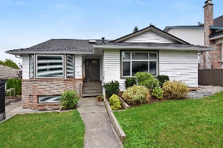 "Main Photo: 18043 64 Avenue in Surrey: Cloverdale BC House for sale in ""Orchard Ridge"" (Cloverdale)  : MLS® # R2205416"