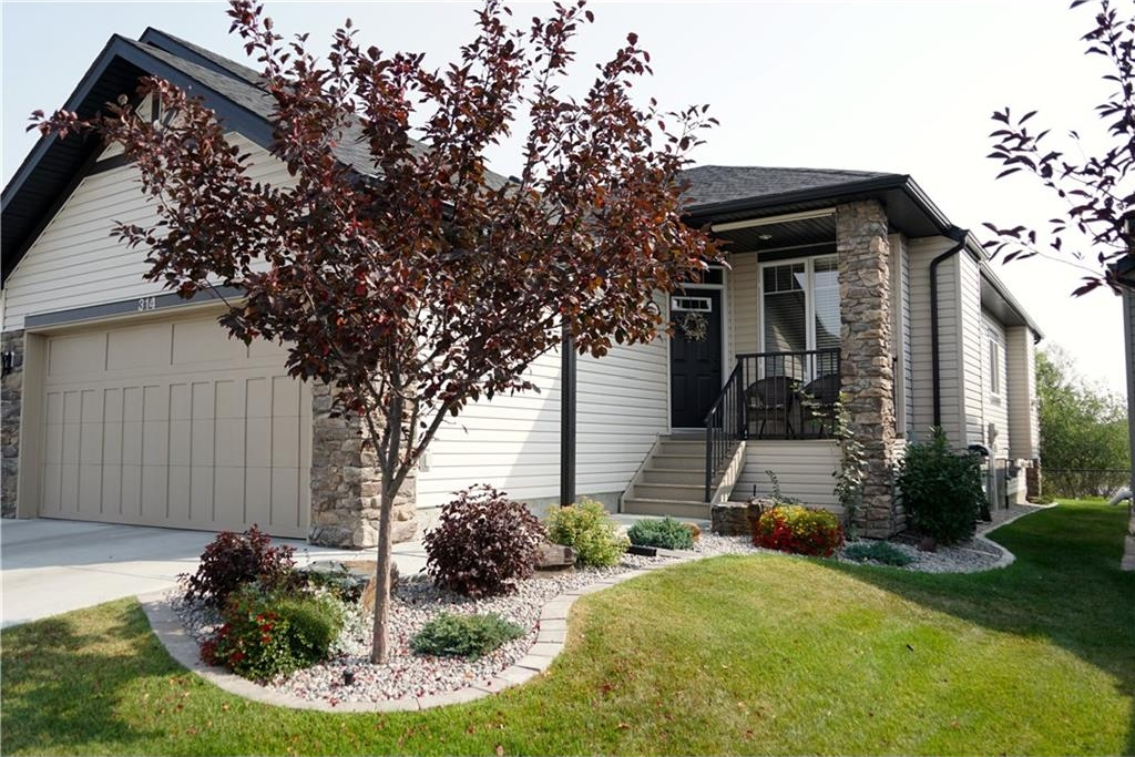 Main Photo: 314 CRYSTAL GREEN Rise: Okotoks House for sale : MLS® # C4138199