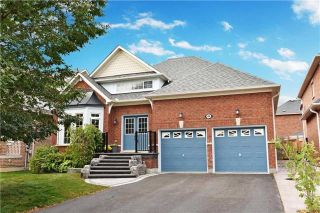 Main Photo: 48 Helston Crescent in Whitby: Brooklin House (Bungalow) for sale : MLS® # E3933189