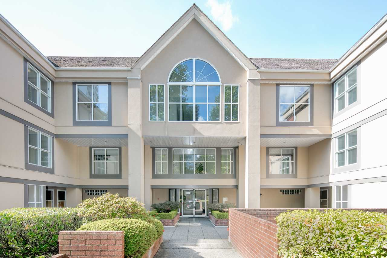 "Main Photo: 302 5635 PATTERSON Avenue in Burnaby: Central Park BS Condo for sale in ""SHEFIELD COURT"" (Burnaby South)  : MLS® # R2208721"