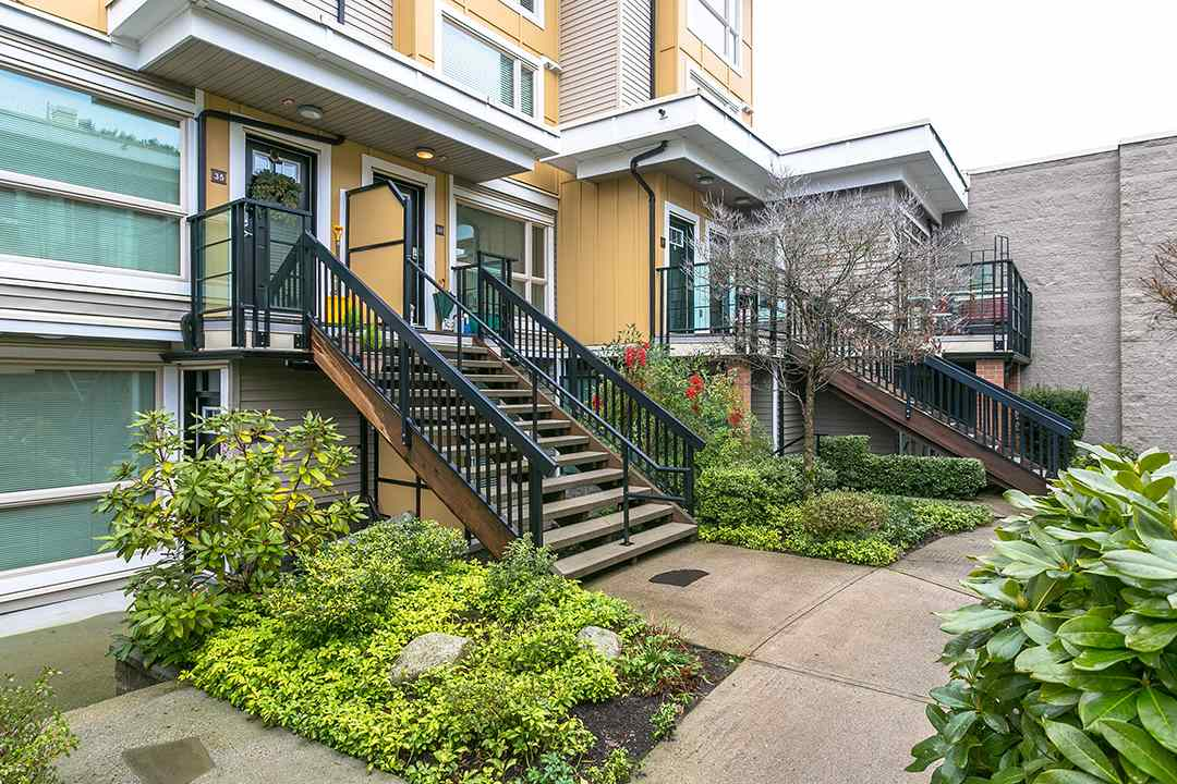 "Main Photo: 33 728 W 14TH Street in North Vancouver: Hamilton Townhouse for sale in ""NOMA"" : MLS® # R2236653"