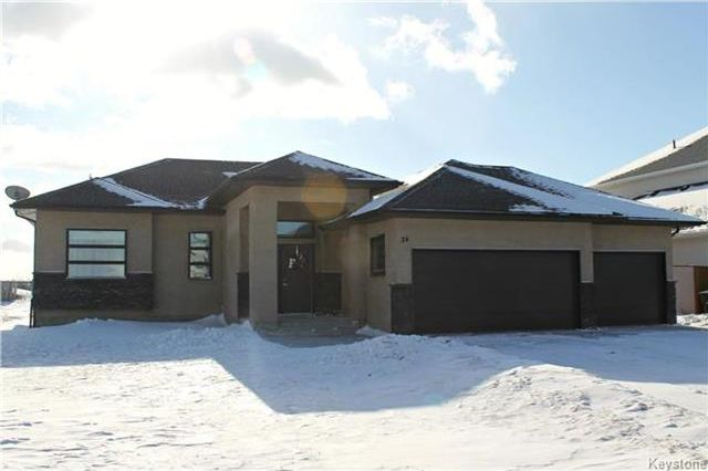 Main Photo: 24 ORCHARD HILL Drive in Mitchell: R16 Residential for sale : MLS® # 1802434