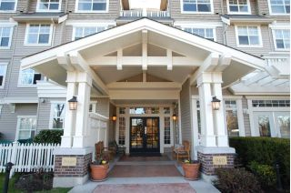 "Main Photo: 207 960 LYNN VALLEY Road in North Vancouver: Lynn Valley Condo for sale in ""Balmoral House"" : MLS® # R2239386"