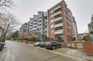 "Main Photo: 503 2228 MARSTRAND Avenue in Vancouver: Kitsilano Condo for sale in ""The SOLO"" (Vancouver West)  : MLS® # R2239681"