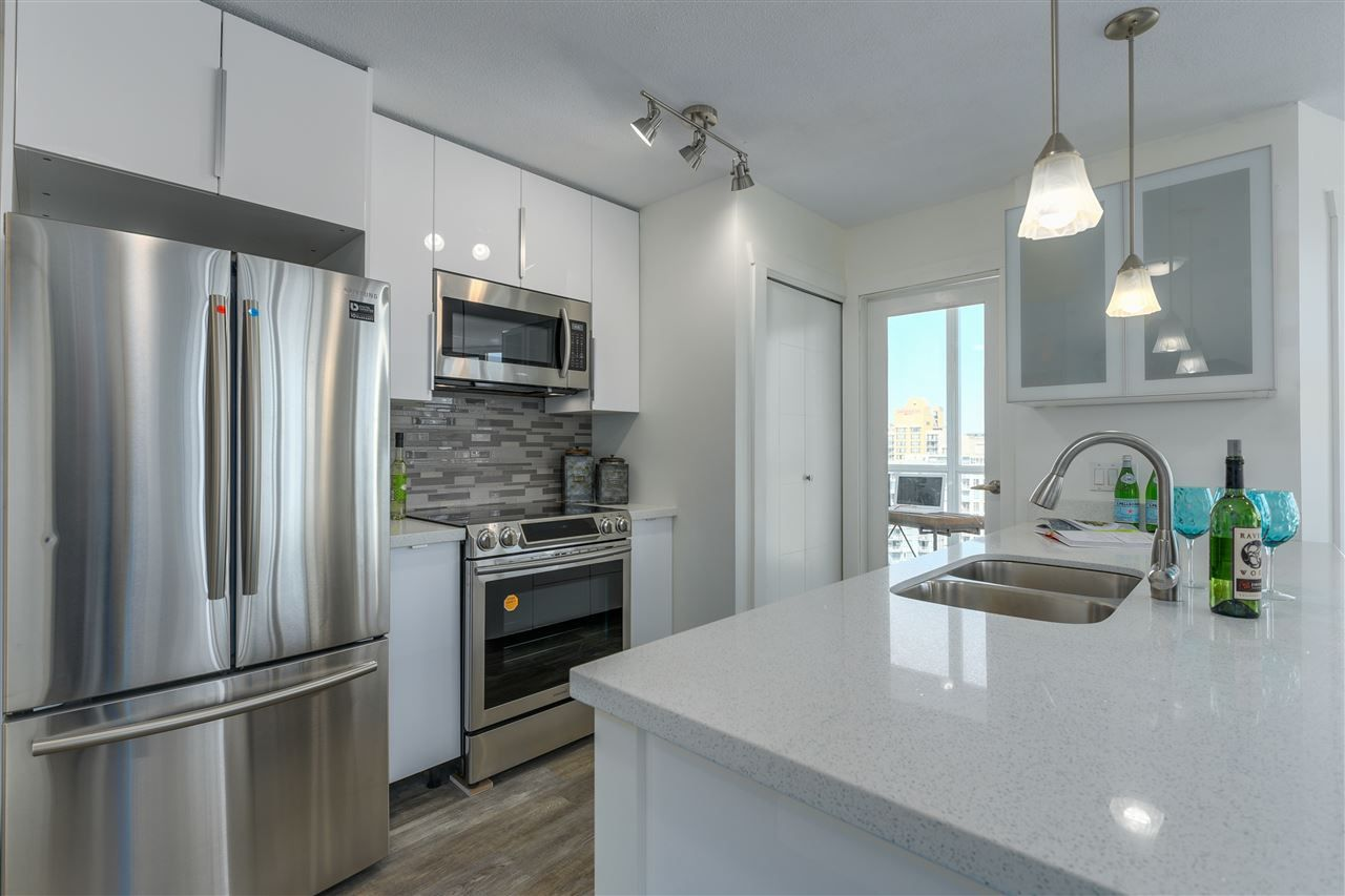 "Main Photo: 2102 1199 SEYMOUR Street in Vancouver: Downtown VW Condo for sale in ""BRAVA"" (Vancouver West)  : MLS®# R2288293"