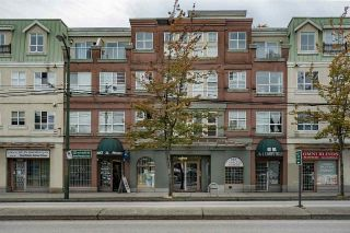 "Main Photo: W409 488 KINGSWAY Avenue in Vancouver: Mount Pleasant VE Condo for sale in ""HARVARD PLACE"" (Vancouver East)  : MLS®# R2304937"