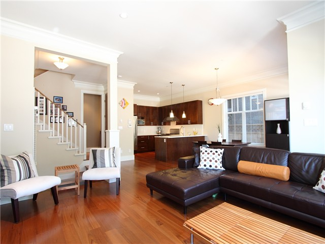 Photo 3: 435 W 16TH Avenue in Vancouver: Mount Pleasant VW Condo for sale (Vancouver West)  : MLS(r) # V978006