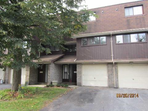 Main Photo: 32 1958 Rosefield Road in Pickering: Liverpool Condo for sale : MLS® # E3030650